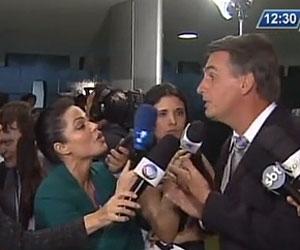 Resultado de imagem para bolsonaro xinga jornalista