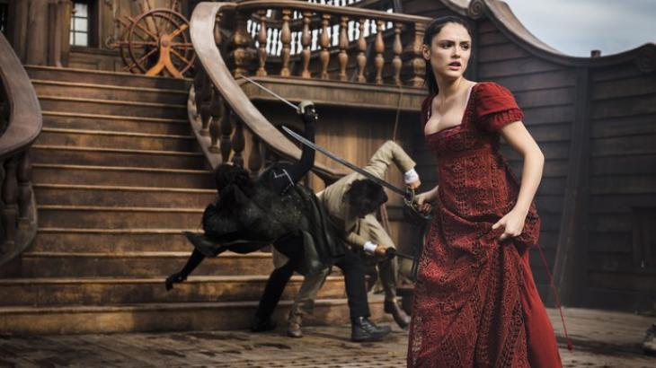 Em cena com cavalo, Isabelle Drummond quase se machuca em