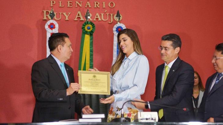 Vivian é homenageada na Assembleia Legislativa do Amazonas por sua participação no