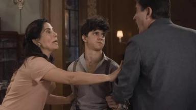 Lola protege o filho da ira de Júlio em Éramos Seis.