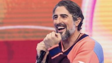 Marcos Mion sorrindo