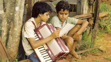 Dablio Moreira e Marcos Henrique interpretaram Mirosmar e Emival em 2 Filhos de Francisco (2005)