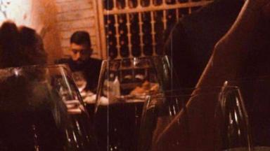 Flagra de Gabigol e Rafaella Santos juntos em restaurante