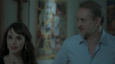 Cena de A Força do Querer com Eugênio ao lado de Irene