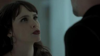 Cena de A Força do Querer com Irene olhando para Eugênio