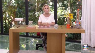 """Ana Maria Braga apresentando o """"Mais Você"""" sentada"""