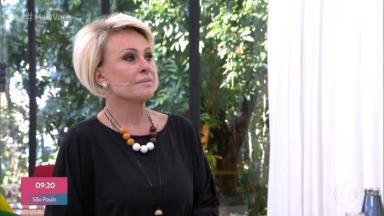 """Ana Maria Braga olhando para um telão no estúdio do """"Mais Você"""""""