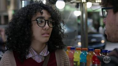 Protagonista de Betty, A Feia em NY posa para foto