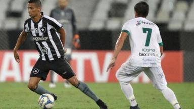 Botafogo contra a Portuguesa pelo Carioca