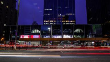 Imagem da fachada da CNN Brasil na Avenida Paulista