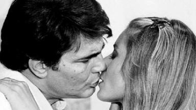 Cena de Coração Alado com beijo de Juca e Vivian