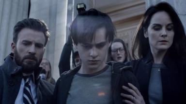 Protagonistas de Defending Jacob em foto de divulgação