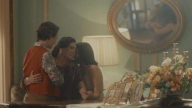 Emília, Justina e Adelaide em cena de Éramos Seis