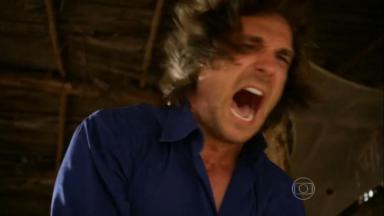 Cena de Flor do Caribe com Alberto surtado e gritando