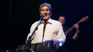 Izael Caldeira no palco