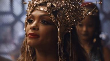 Lidi Lisboa caracterizada como a rainha Jezabel.
