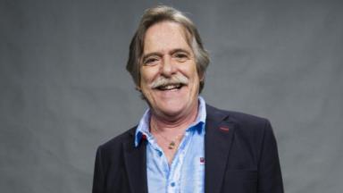 Ator José de Abreu sorrindo