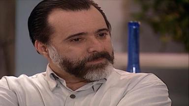 Cena de Laços de Família com Miguel emocionado