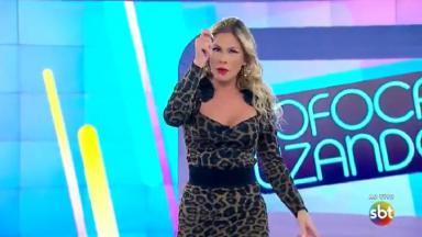 Lívia Andrade durante o Fofocalizando