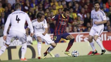 Neymar em partida pelo Barcelona