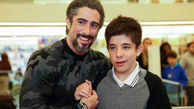 Marcos Mion e seu filho Romeu Mion