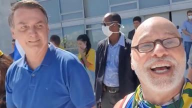Paulo Cintura ao lado de Bolsonaro