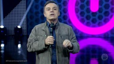 "Gugu Liberato apresentando o ""Power Couple"""