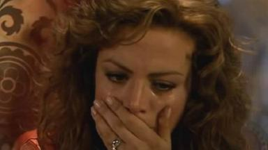 Cena de Quando me Apaixono com Regina chorando