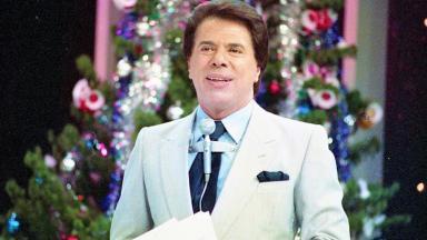 Silvio Santos no palco do programa Show de Calouros na década de 80