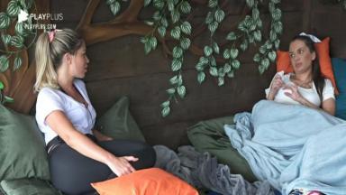 Na casa da árvore, Carol Narizinho conversa sobre indicação para a roça em A Fazenda 2020