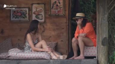 Dayane Mello conversando com Solange Gomes em A Fazenda 2021