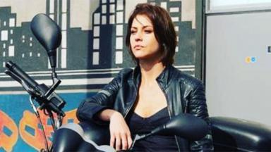 Christiana Ubach é A Garota da Moto
