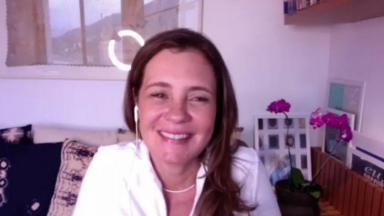 Adriana Esteves na coletiva de imprensa de Amor de Mãe