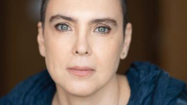 A cantora Adriana Calcanhotto