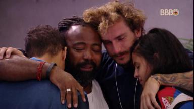 Brothers chorando