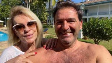 Ana Maria Braga ao lado do marido Johnny Lucet, com quem foi casada por um ano