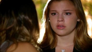 Sofia chocada com revelação de Ana