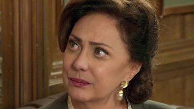 Anastácia (Eliane Giardini)