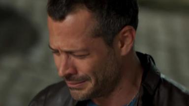 Apolo chora de joelhos por Tancinha