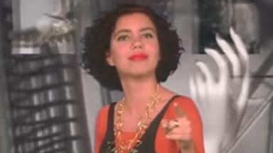 Astrid Fontenelle apresenta o primeiro Disk MTV, em 1990