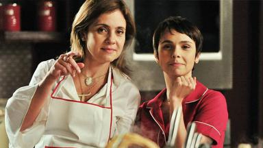 Adriana Esteve e Débora Falabella durante as gravações de Avenida Brasil