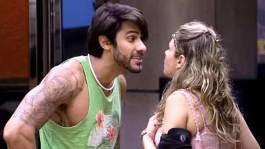 Lucas e Ana Paula brigando