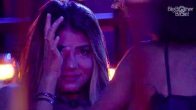 Hariany chorando