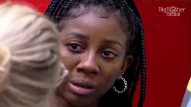 Camilla de Lucas chorou enquanto conversava com Viih Tube