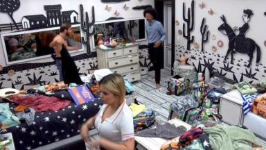 Caio, João Luiz e Viih Tube trocando de roupa no quarto cordel