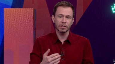 Tiago Leifert durante programa ao vivo