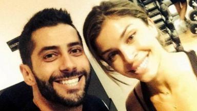 Marcelo e Grazi Massafera sorrindo