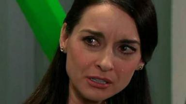 Beatriz chorando