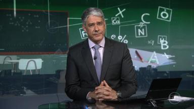 """William Bonner faz """"pausa dramática"""" no Jornal Nacional"""