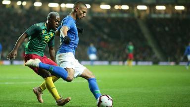 Richarlison marcado no jogo entre Brasil e Camarões